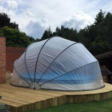 Galéria -SunnyTent kör XL méretű, félig földbe süllyesztett medencére
