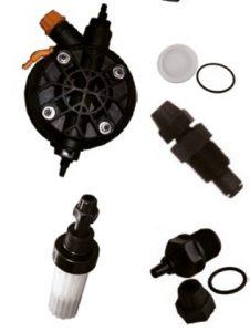"""Exactus membrános vegyszer adagoló kiegészítők - - Exactus adagolo fej koplett 2-10l/h Cikkszám: 4408031205 - Exactus membran 2-10l/h Cikkszám: 4408030119 - Exactus injektor szelep 3/8"""" Cikkszám: 4408030121 - Atalakito 3/8"""" BM - 1/2 KM Cikkszám: 02272 - Exactus labszelep Cikkszám: 4408030123 - Exactus csőcsatlakozo (2db / csomag) Cikkszám: 4408030113"""