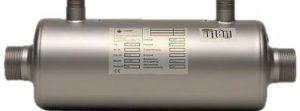 Spirál csőregiszteres hőcserélő TITAN ötvözetből. Hatékonyan működik szolár, hőszivattyús és kondenzációs gázkazános rendszerekkel. Rögzítéshez a rozsdamentes bilincs tartozék. Max. nyomás fűtési oldal: 10 bar Max. nyomás medence oldal: 3 bar