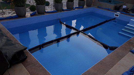 09 KISVÁRDA Alkorplan 3D kék mozaikmintás medence téliesítés
