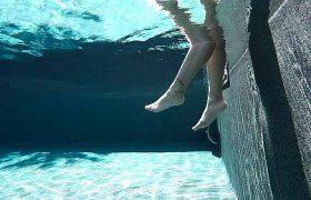 Tengerpartot imitáló, csúszásmentes felületű medencefólia burkolat, ELBE Maui Island dreams 3D medencefólia