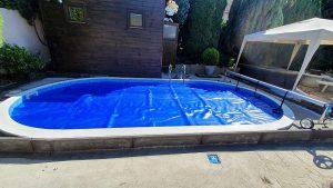 Meglévő PP medence, Elbtal kék márványmintás medencefóliázása02