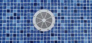 Renolit Alkorplan 3000 perzsa kék mozaikmintás medencefólia burkolása